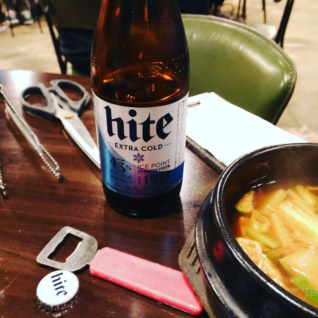 Hite extra cold. Light but nice and drinkable. #tannusbeerproject #korean #koat16 ❤❤❤❤❤❤